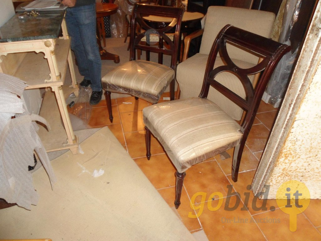 Divani E Divani Montesilvano.Lot Sofas And Home Accessories Gobid Es