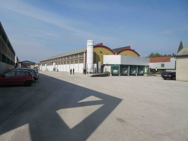 Company complex in Dueville (VI) - Cheese processing - Bank. 76/2017 - Vicenza L. C.